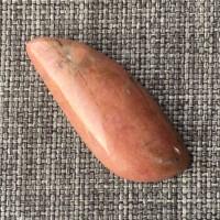 Родонит кабошон 35*14*5 мм